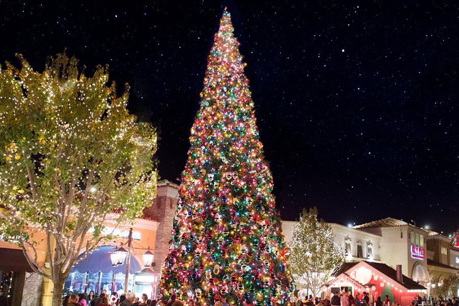 Christmas at The Promenade at Westlake