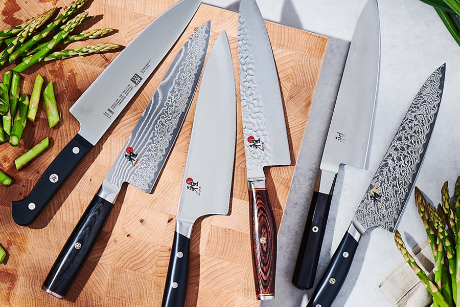 Complimentary Knife Sharpening at Sur La Table